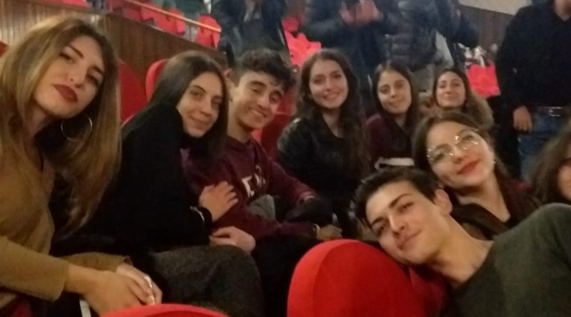 """RENDE – AL GARDEN GLI STUDENTI DELL'IIS DI CARIATI ASSISTONO  A """"ROMEO E GIULIETTA"""""""